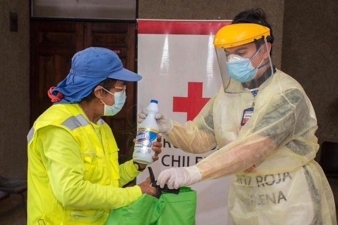 Con 27 mil botellas de cloro donadas a comunas vulnerables continúa la cruzada para apoyar a la desinfección de hogares
